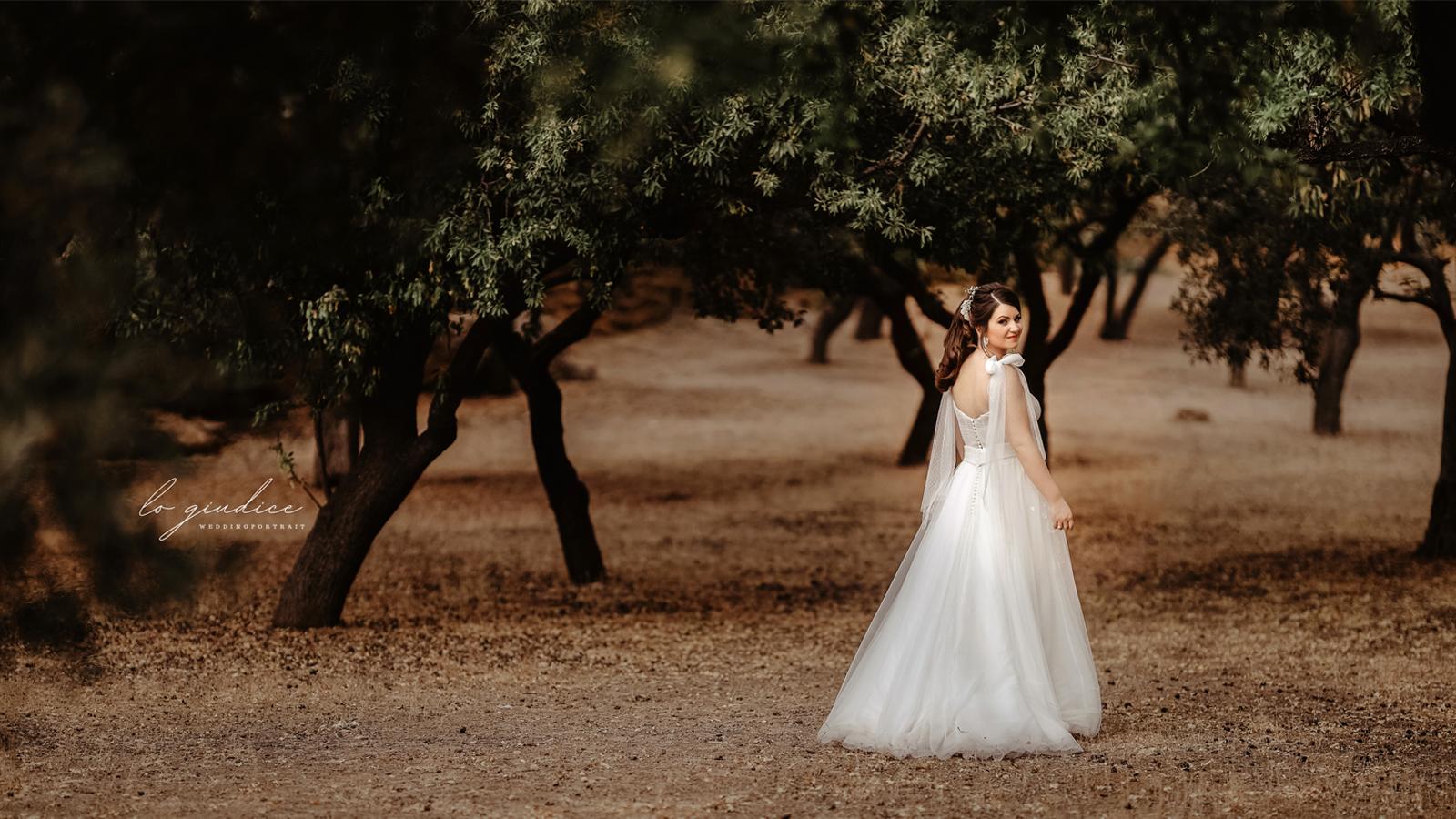 foto sposa tra gli alberi